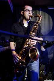 Guillermo García, saxofonista invitado de Sonic Trash, Kafe Antzokia, Bilbao. 2015