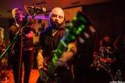 Massi -bajo-, Alessio Perazzo -cantante y guitarra- y Gianmarco Petrucci -batería- de King Mastino-batería- de King Mastino, Satélite T, Bilbao. 2015