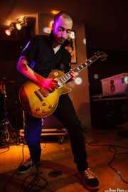 Mattia Roffi, guitarrista de King Mastino, Satélite T, Bilbao. 2015