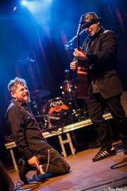 Jimmy Barnatán -cantante- y Sergio García -guitarrista-, Kafe Antzokia, Bilbao. 2015