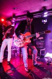 Diego Von Hustler -guitarra- y Alfredo Niharra -guitarra invitado- de Screamin' George & The Hustlers, Santana 27, Bilbao. 2015