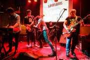 """Iván Lago -teclado-, Chusín Fernández -bajo-, Raúl """"Tod Tomorrow"""" -voz-, Gonzalo Sánchez """"Chalo"""" -batería- y Pablo Gancedo """"Roxu"""" -guitarra- de Supersiders, Fuzz in the city 2015, Bilbao. 2015"""