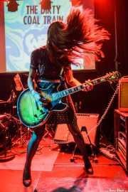Lena Huracán Coltrane -batería- y Conchita de Aragón Coltrane -guitarra y voz- de The Dirty Coal Train, Fuzz in the city 2015, Bilbao. 2015