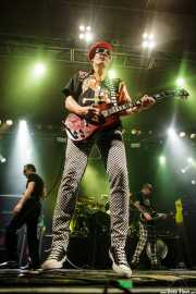 Captain Sensible -guitarra y voz-, Dave Vanian -voz-, Stu West -bajo- y Pinch -batería- de The Damned, Santana 27, Bilbao. 2015