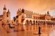 Basílica de Santa María (Bazylika Mariacka) y Sukiennice (The Cloth Hall) en la Plaza del Mercado (26/04/2015)