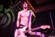 Luiyi Costa, guitarrista de Bullet Proof Lovers, Kafe Antzokia, Bilbao. 2015