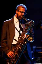 Nicolás Rodriguez-Jauregui, saxofonista de The Excitements, Social Antzokia, Basauri. 2015