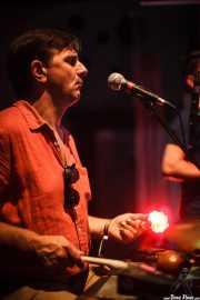 Stéphane Séva, cantante y washboard de Doc Scanlon's Swingsters, Gastroswing 2015 - Gora taberna, Vitoria-Gasteiz. 2015