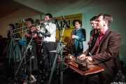 Tatiana Anne-Marie -voz-, Dann Lipsitz -clarinete y saxofón-, Jesse Selengut -trompeta-, Jake Handeman -trombón-, Juli Aymi -clarinete invitado- y Stéphane Séva -washboard invitado- de The Gordon Webster Band, Gastroswing - Artium, Vitoria-Gasteiz. 2015