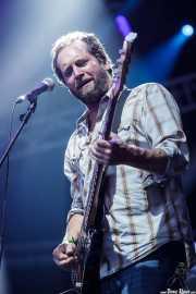 Tommy Andrews, bajista de The White Buffalo, Azkena Rock Festival, Vitoria-Gasteiz. 2015