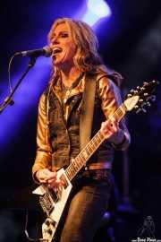 Donita Sparks, cantante y guitarrista de L7, Azkena Rock Festival, Vitoria-Gasteiz. 2015