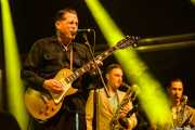 Nico DuPortal -cantante y guitarrista-, Alex Bertein -saxo barítono-y Arnaud Desprez -saxo tenor- de Nico Duportal & His Rhythm Dudes, Azkena Rock Festival, Vitoria-Gasteiz. 2015