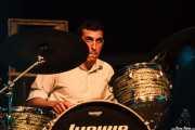 Pascal Mucci, baterista de Nico Duportal & His Rhythm Dudes, Azkena Rock Festival, Vitoria-Gasteiz. 2015