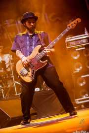Rodrigo Mantovani, bajista de Igor Prado Band & Willie Walker, BluesCazorla - Plaza de toros, Cazorla. 2015