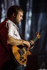 Aaron Moreland, guitarrista y cigar-box guitar de Moreland & Arbuckle, BluesCazorla - Plaza de toros, Cazorla. 2015