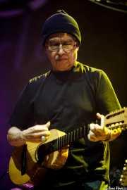 Louie Pérez, guitarrista, baterista y jarana huasteca de Los Lobos, BluesCazorla - Plaza de toros, Cazorla. 2015