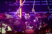 Chris Maas, baterista (en gira) de Mumford & Sons, Bilbao BBK Live, Bilbao. 2015