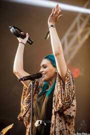 Amy Sheppard, cantante de Sheppard, Bilbao BBK Live, Bilbao. 2015