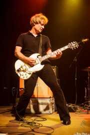 Andrew Molloy, cantante y guitarrista de Bum, Kafe Antzokia, Bilbao. 2015