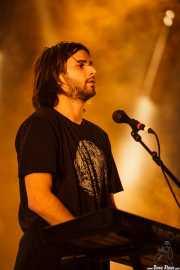 Josu Billelabeitia, guitarrista, teclista y cantante de Belako, Mundaka Festival, Mundaka. 2015
