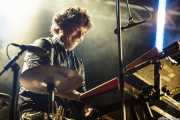 Willy Vanilli, teclista, programador, percusionista y baterista de We are standard, Mundaka Festival, Mundaka. 2015