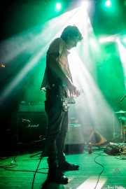 Borja Iglesias, guitarrista de Inoren ero ni, Kafe Antzokia, Bilbao. 2015