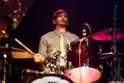 Justin Cota, baterista de Diana Death y sus novios, Kafe Antzokia, Bilbao. 2015