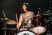 Letty Beers, baterista de The Schizophonics, Kafe Antzokia, Bilbao. 2015