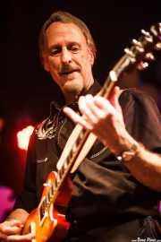 Larry Parypa, guitarrista de The Sonics, Funtastic Dracula Carnival, Benidorm. 2015