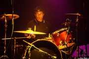 Patrick Muzingo, baterista de Junkyard, Kafe Antzokia, Bilbao. 2015