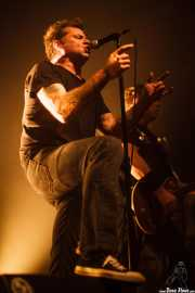 David Roach -voz- y Tim Mosher -guitarra- de Junkyard, Kafe Antzokia, Bilbao. 2015