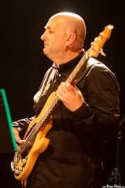 Javier Rodríguez Alonso, bajista de Mike James Kirkland, Kafe Antzokia, Bilbao. 2015