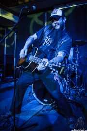 Bob Wayne, cantante y guitarrista de Bob Wayne & The Outlaw Carnies, Kafe Antzokia, Bilbao. 2015