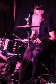 Joe Mitchell, baterista de Bob Wayne & The Outlaw Carnies, Kafe Antzokia, Bilbao. 2015