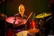Charles Jones, baterista de Nikki Hill, Kafe Antzokia, Bilbao. 2015