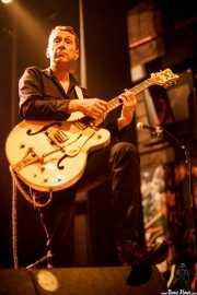 Duncan James, guitarrista y cantante de The Hillbilly Moon Explosion, Kafe Antzokia, Bilbao. 2015