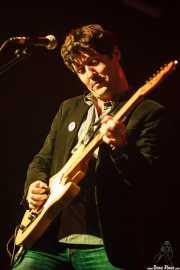Txomin Guzmán, cantante, teclista y guitarrista de The Fakeband (Santana 27, Bilbao, 2015)