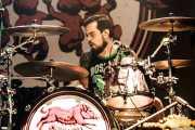 "Oskar ""Puro d'oliva"", baterista de Porco Bravo (Kafe Antzokia, Bilbao, 2016)"