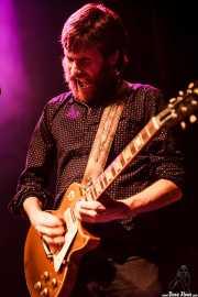 Pere Mallén, guitarrista de Julián Maeso (Kafe Antzokia, Bilbao, 2016)