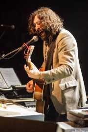 Julián Maeso, cantante, organista y guitarrista (Kafe Antzokia, Bilbao, 2016)