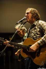 Jim Morrison -violín y banjo- y Alan Tyler -voz, guitarra y armónica- de The Alan Tyler Show (Colegio de Abogados, Bilbao, 2016)