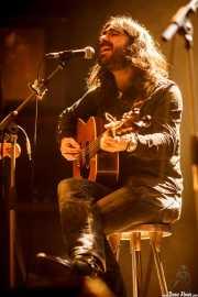 Dani Merino, cantante y guitarrista de La Costa Oeste (Kafe Antzokia, Bilbao, 2016)