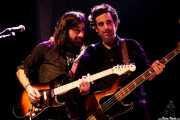 Dani Merino -guitarra- y Juan Uribe -bajo- de Margo Cilker & The Drunken Angels (Kafe Antzokia, Bilbao, 2016)
