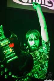 Luis Armand Villalba, guitarrista de Ukelele Zombies (La Nube Café Teatro, Bilbao, 2016)