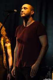 Julen Ahedo, cantante corista invitado de Pierrot (Sala Cúpula (Teatro Campos Elíseos), Bilbao, 2016)
