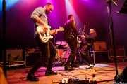 Lander Moya -bajo-, David Hono -voz y guitarra- y Juanjo Arias -guitarra- de Sonic Trash (Kafe Antzokia, Bilbao, 2016)