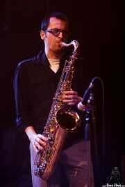 "Guillermo García ""Willie"", saxofonista invitado de Sonic Trash (Kafe Antzokia, Bilbao, 2016)"