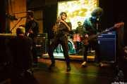 José Ramón Rioja -voz y teclado-, Iván Barrio -guitarra-, Fernando Ulzión -saxo-, Alberto Díez, baterista y Alberto Lorenzo -bajo- de La Hora del Primate (Hika Ateneo, Bilbao, 2016)