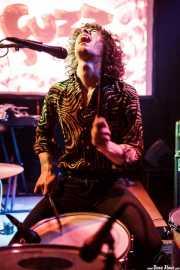 Borja Téllez, cantante y baterista de Los Bengala (Hika Ateneo, Bilbao, 2016)