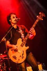 Julio Ortiz, bajista de Santiago Delgado y los Runaway Lovers (Torrezabal Kultur Etxea, Galdakao, 2016)